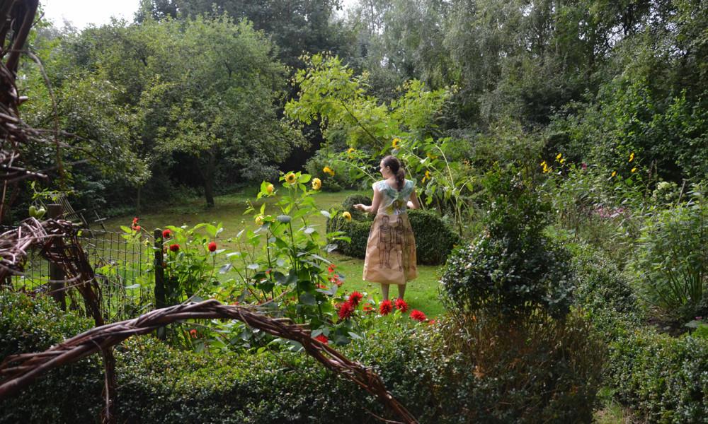 my paper dress; strolling in the garden
